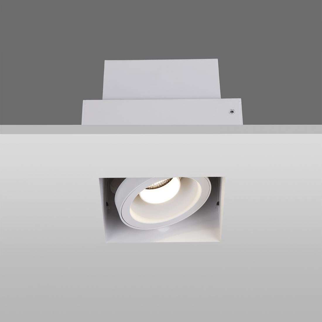 Interior recessed downlight